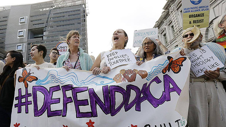 La Acción Diferida de 2012 (DACA) protege de la deportación a unos 800,0...