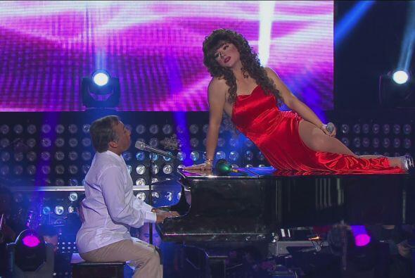 """Después Thalía y Armando Manzanero cantaron """"Somos novios"""" en un dueto m..."""