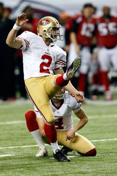 Rayn fue interceptado, pero el error no le costó puntos, pues Akers fall...