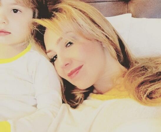 Thalía comnpartió esta imagen con su pequeño Matthew Alejandro.