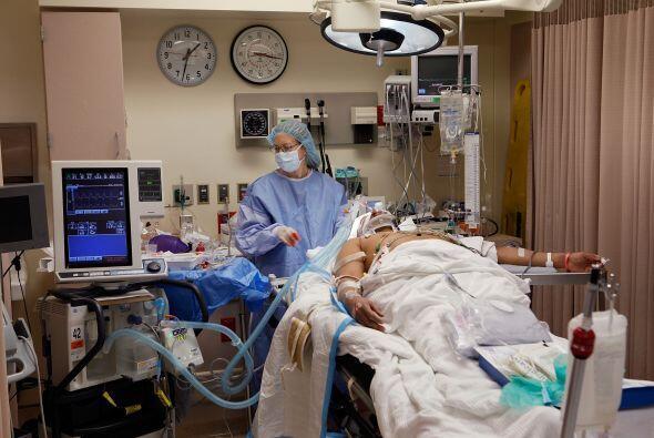 Sobre el sistema de salud y su promesa electoral de una nueva ley, Obama...