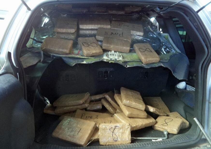 ¡Atrapan a mujeres narcos!