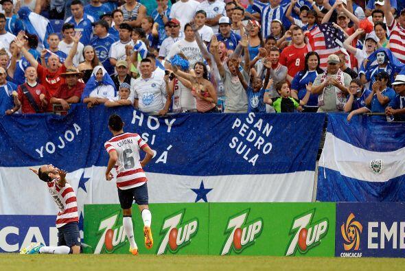 Habián muchos centroamericanos en la tribuna pero la fiesta fue de los l...