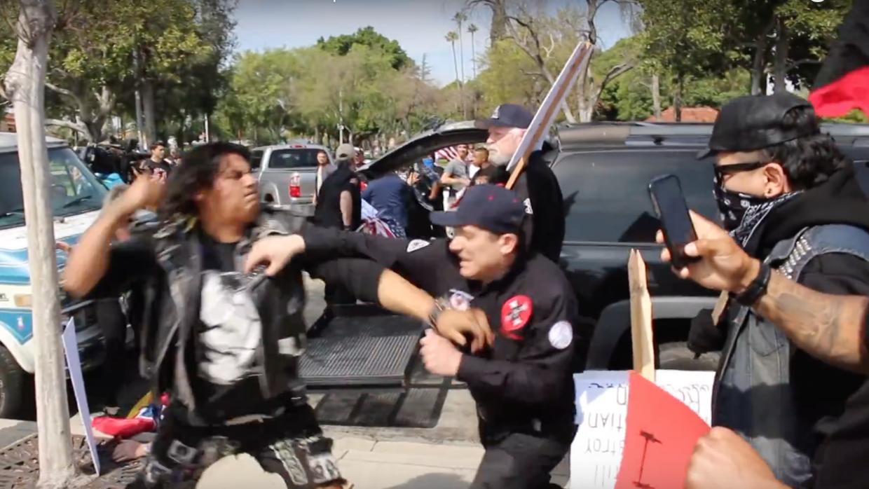 KKK pelea Anaheim
