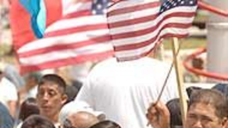 Promesas de reforma migratoria divide a Estados Unidos cd1c34bd10c14c798...