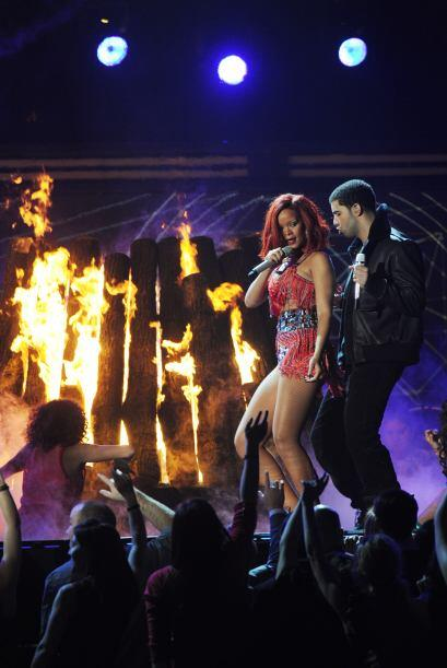 "Eminem & Rihanna just announced the ""Monster Tour"""