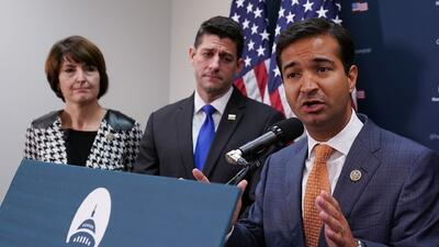 """""""Vamos a seguir trabajando para traer un proyecto de ley bipartidista al pleno de la Cámara"""": Carlos Curbelo"""