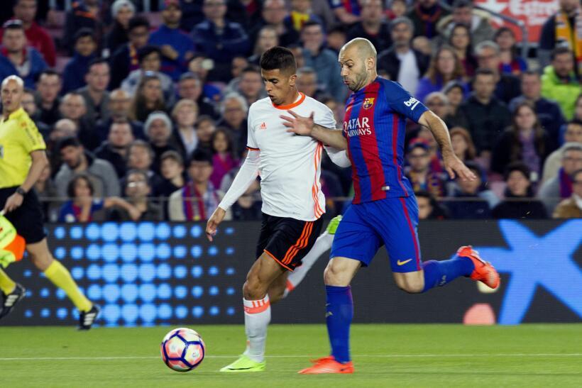 Messi y Suárez mantienen al Barcelona al acecho del Madrid 6362555704190...