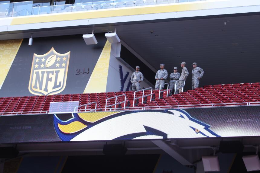 La casa de San Francisco 49ers se prepara para el duelo Carolina - Denver.