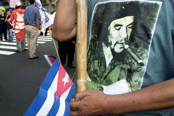 """""""Fue muy emotivo escuchar la voz del Che Guevara recitando a César Valle..."""