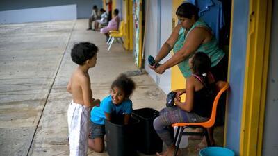 Niños refugiados en una escuela en Puerto Rico.