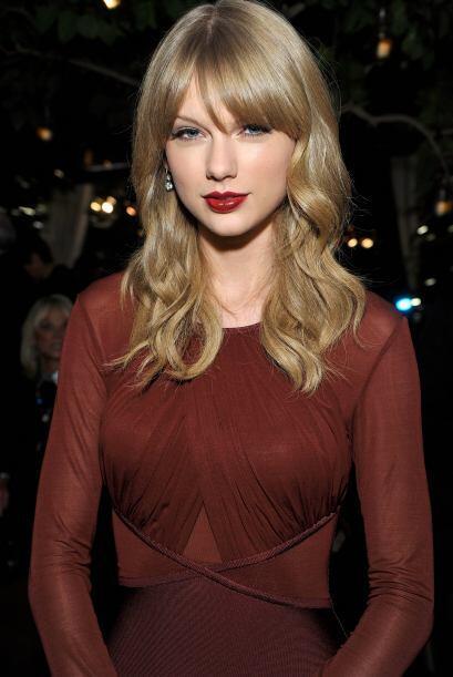 Taylor Swift fue otra cantante que cambió su estilo y dejó atrás los ves...