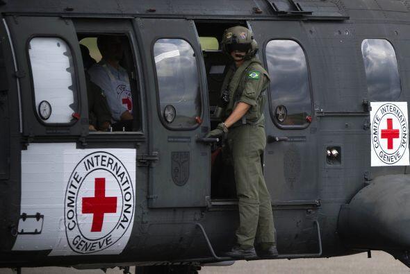 El primer rehén liberado fue Marcos Baquero, de 35 años, quien fue priva...