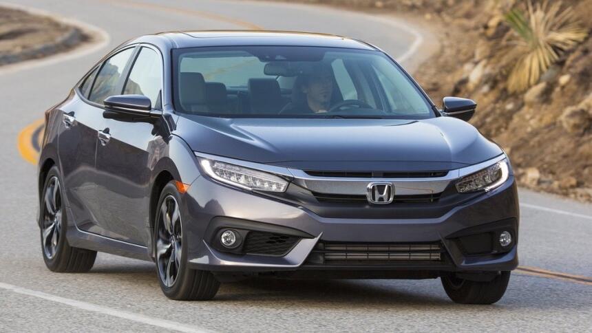 Los 10 autos más 'cool' de 2017 por menos de 18,000 dólares Honda-Civic_...