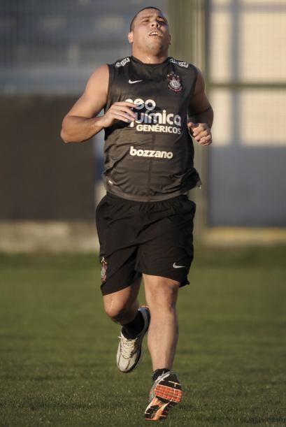 Enero 2011. Ronaldo y sus últimos días en el Corinthians. Con kilos de m...