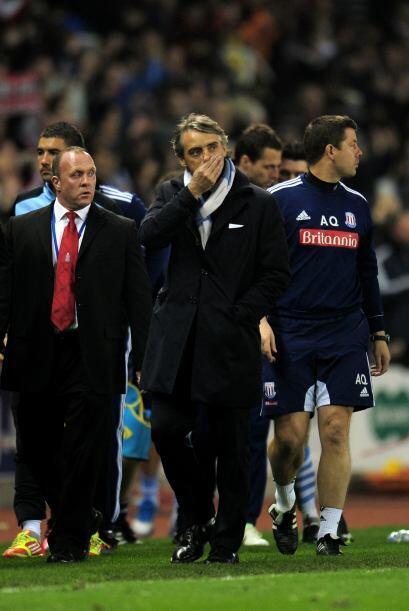 Finalmente el partido terminó 1 a 1 y Mancini se retiró con cara de preo...