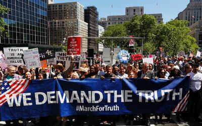 Investigar los actos de Donald Trump, lo que exigieron en la 'Marcha por...
