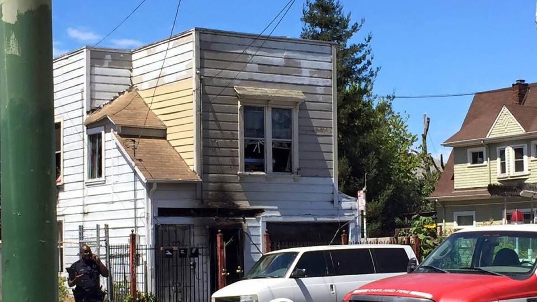Se registra explosión en una casa del oeste de Oakland