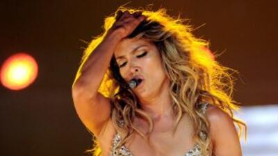 Además de estar llevando su música por todos lados, la cantante está pre...