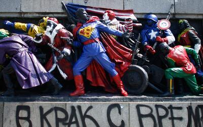 París aprende a convivir con el miedo soviet.jpg