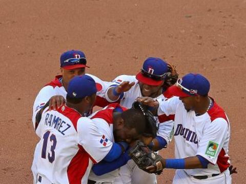 República Dominicana le ganó a Puerto Rico y se clasifico...