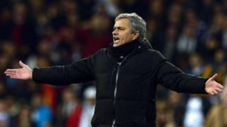 Mourinho se mantiene a la cabeza de ganancias entre técnicos.