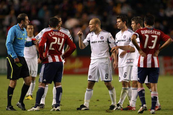 El Fire goleó a Chivas USA para despedir a McBride.