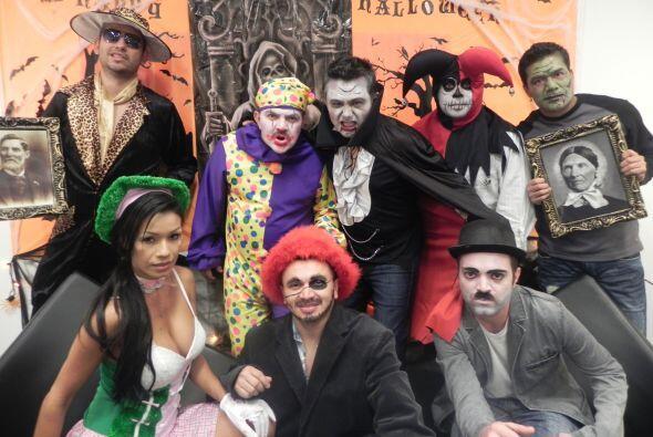 Aquí una foto con el #TeamBrindis recordando Halloween en el 2011.