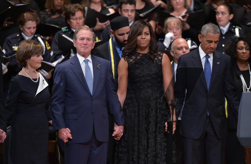 George W. Bush habla de su gran amiga... Michelle Obama GettyImages-5465...