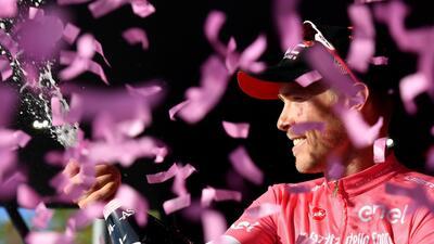 Tim Wellens se impuso en la cuarta etapa del Giro de Italia y Rohan Dennis sigue líder