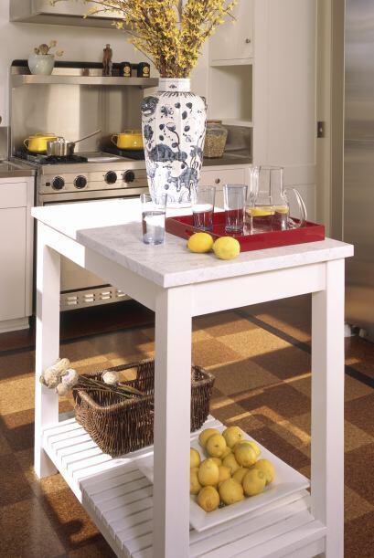 Muebles multifunción. El desayunador puede convertirse rápidamente en un...