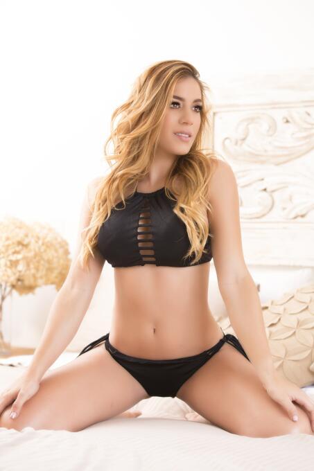 Angie Trujillo, belleza angelical que es una 'chica ruda' en el gimnasio...