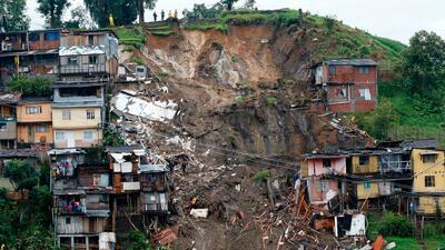 Al menos 17 muertos tras deslizamiento de tierra en Manizales, Colombia