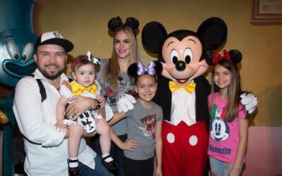 Poncho Lizárraga en Disneyland.