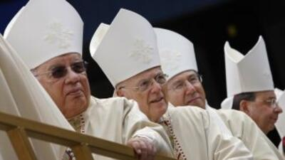 Los críticos dentro y fuera de la Iglesia han acusado a los obispos de i...