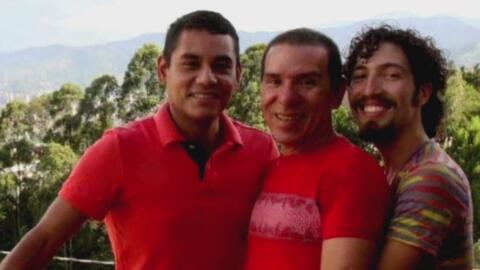 Tres hombres colombianos se casaron, legalizaron su relación y ahora son...