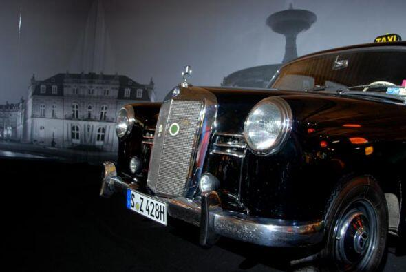 Taxi Mercedes-Benz 180 D 1956 Con este modelo se inauguró la nueva serie...