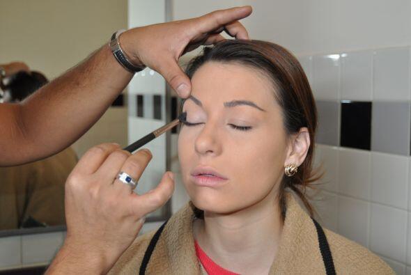 Si es una actividad durante el día, el maquillaje de los ojos debe ser m...