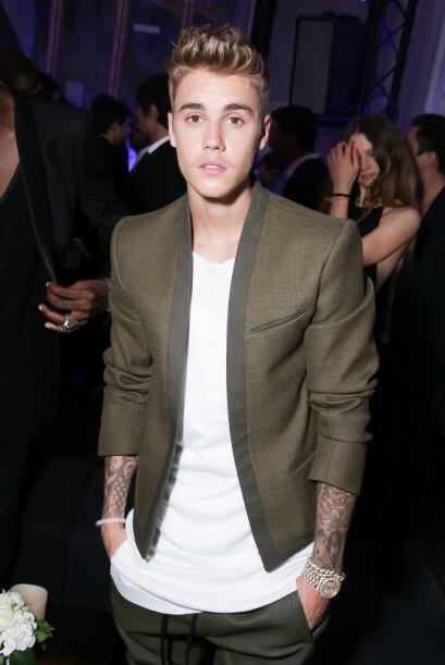 Tal parece que no hay nada que Justin Bieber disfrute más que sal...