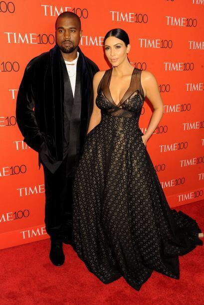 La Kardashian llegó con su maridito al evento de la publicación.