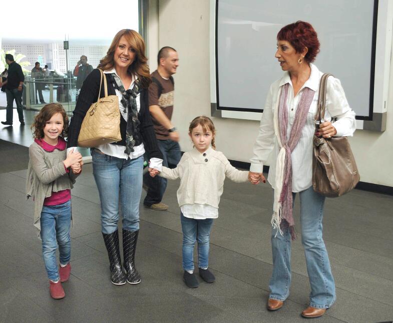 Andrea Legarrera y su familia