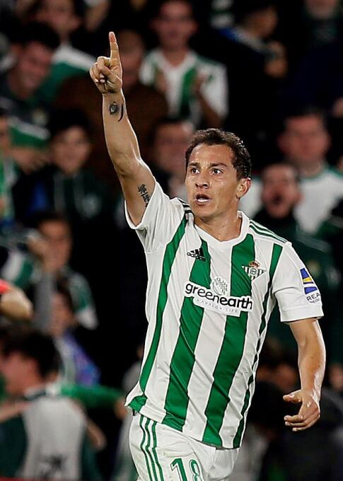 Betis [2]-2 Girona: ¡Golazo! Andrés Guardado marcó de tiro libre al minu...