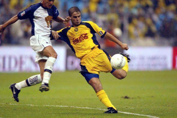 En el Verano del 2002 las Águilas se toparon con los Pumas en las semifi...