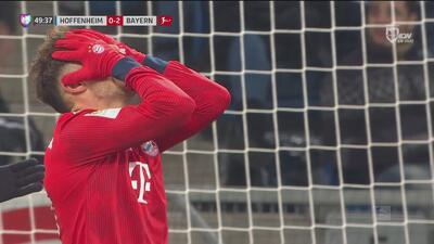Ahora es Javi Martínez el que perdona de cabeza y a plenitud ante el marco del Hoffenheim