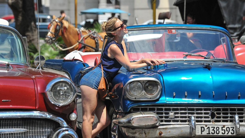 """Muchos de los conductores de """"almendrones"""", los carros antiguo..."""