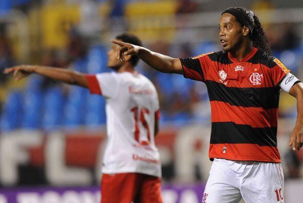 Tres años después la magia de Dinho volvería a su tierra con el Flamengo...