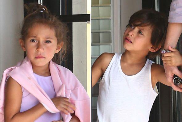 Los gemelitos de Jennifer Lopez y Marc Anthony salieron a pasear.  Mira...