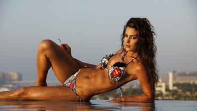 Natalia Vélez es una hermosa colombiana, apasionada por el gimnasio y la natación