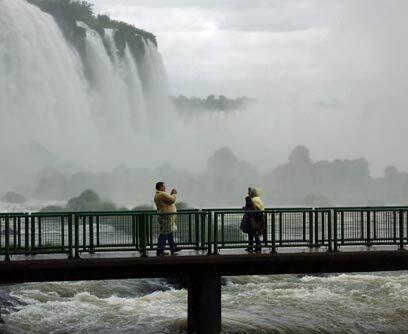 Argentina: Parque Nacional Iguazú. Las Cataratas del Iguazú es uno de lo...