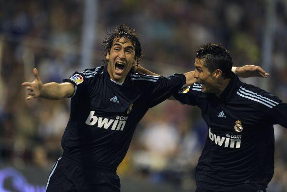 En estadísticas del Real Madrid Ronaldo tiene un duelo personal con Raúl...